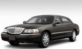 black lincoln town car 2014 image 18