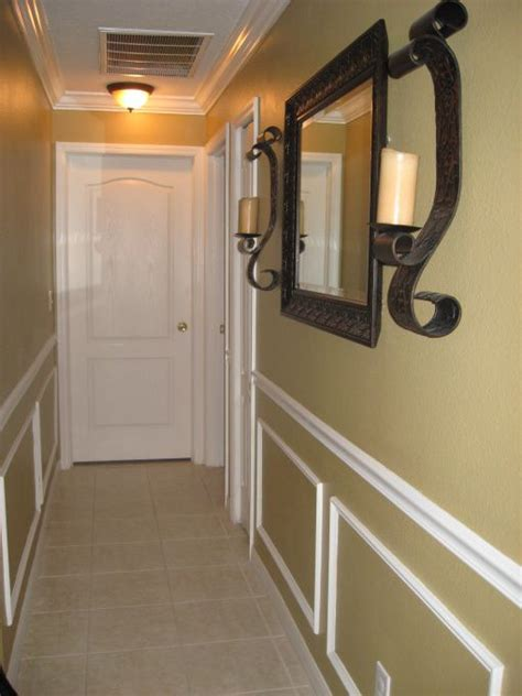 How To Decorate A Hallway by 25 Best Ideas About Narrow Hallway Decorating On Narrow Hallways Narrow Entryway