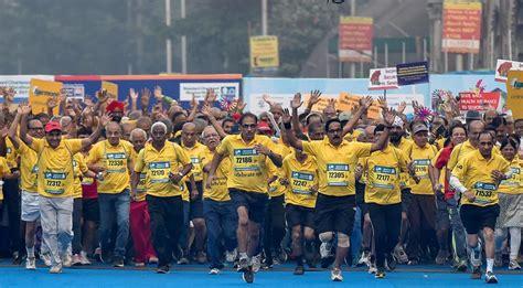 Fifteen Waiter Running The Marathon 2 by Mumbai Marathon 2017 A Run Which Was Their Mumbai