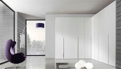 armadi ad angolo per camere da letto armadi ad angolo armadio componibile caratteristiche