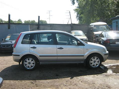 2004 Ford Fusion by Ford Fusion 2004 Pictures