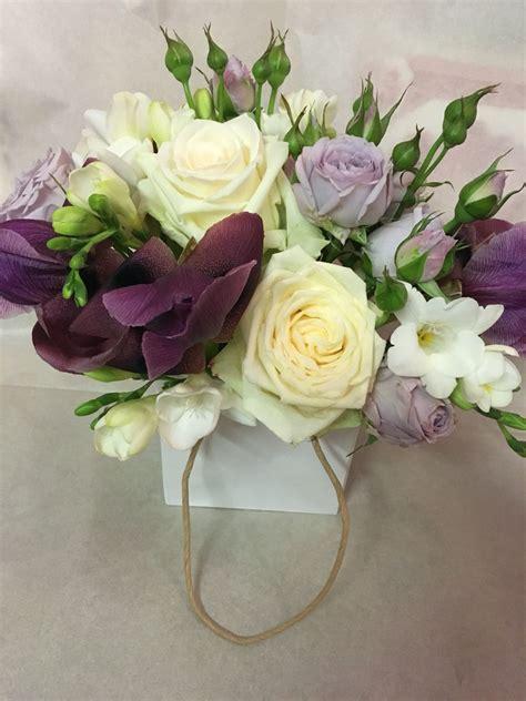 allestimenti fiori matrimonio fiori per matrimoni centrotavola lilla viola fresia