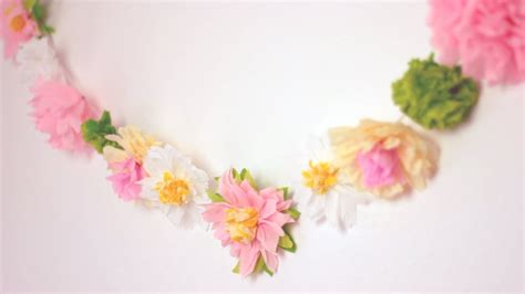 Garland With Paper Flowers - diy paper flower garland happy home decor ideas