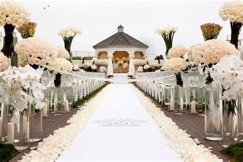 Wedding Ivory Aisle Runner by Custom Aisle Runner Designs For Your Wedding Ceremony