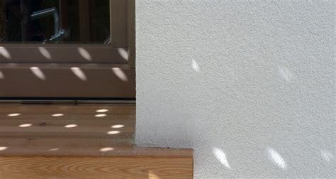 davanzali in legno finestre di casa l angolo tetto