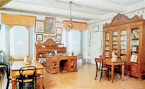 casa di pascoli casa museo pascoli guida di lucca e toscana