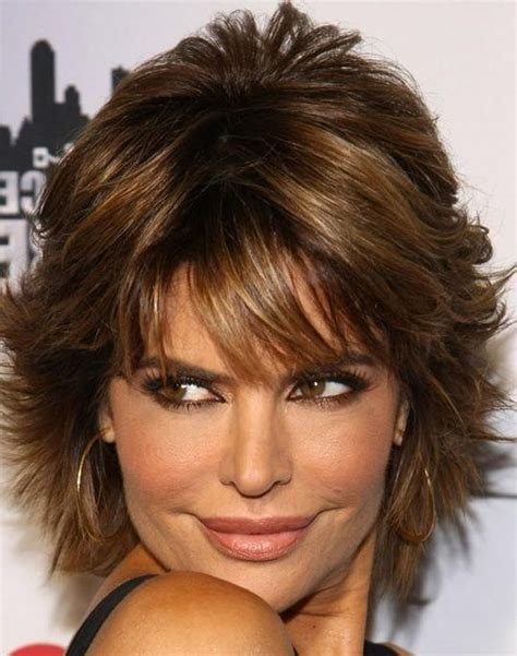 how to style lisa rinna layered razor cut 20 inspirations of razor cut short hairstyles