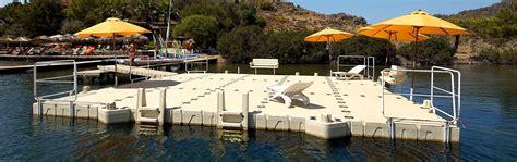 pedane galleggianti piattaforme galleggianti prendisole cubedocks