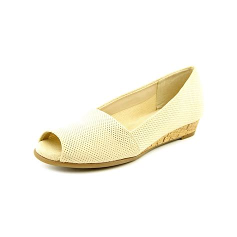a2 by aerosoles castanet womens size 7 ivory wedge sandals