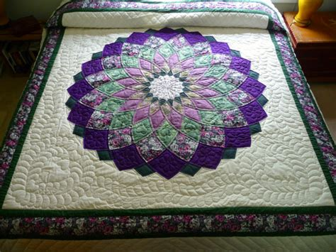 Dahlia Quilts by Dahlia Amish Quilt By Quiltsbyamishspirit On Etsy