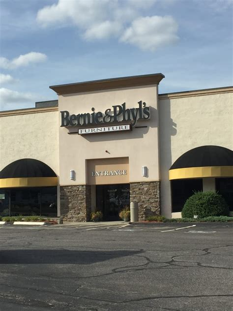 Bernie And Phyl S Furniture Store by Bernie Phyl S Furniture 16 Photos Furniture Stores