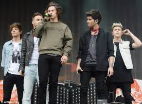 one direction members confirm break planned for some one direction breakup rumours shot down by harry styles