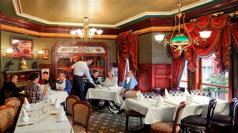 Nyc Private Dining Rooms by Walt S An American Restaurant Disneyland Paris Restaurants