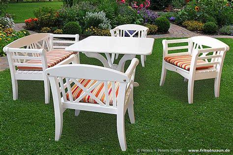 qualität teak gartenmöbel wooden garden benches and garden furniture painted white