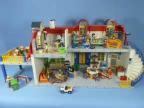 playmobil modern house back days