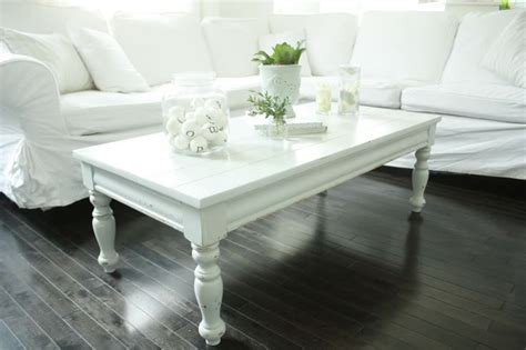 White Painted Coffee Table White Painted Coffee Table 临时的