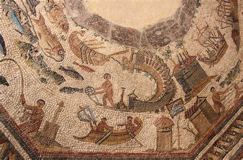 Build A Home by Romeinse Mozaiek Spanjereis