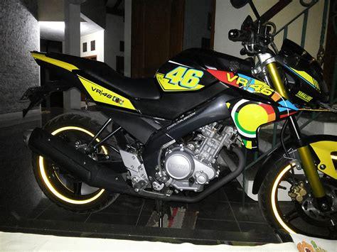 Slebor Spakbor Depan Suzuki Gto Three modif yamaha vixion black rossifumi sun moon vr 46 dari