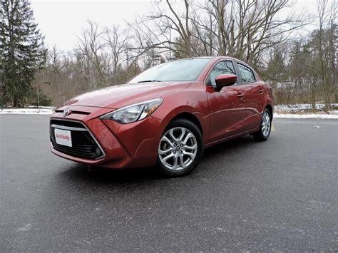 toyota sedan 2016 toyota yaris sedan review autoguide com