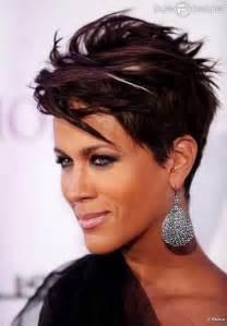 Chic short straight hairstyle