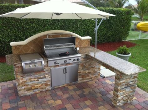 outdoor bbq kitchen ideas 25 best ideas about outdoor bbq kitchen on pinterest