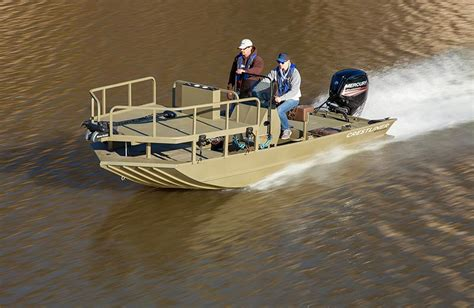 bowfishing fishing boat 18 bow fishing boat 1800 arrow