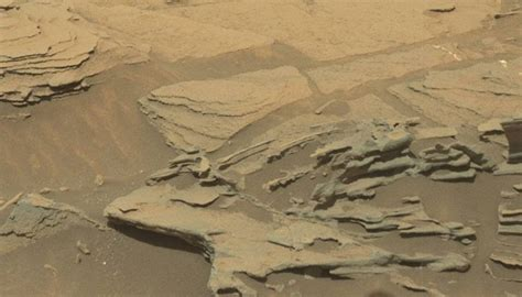 future swings marion il quot floating spoon quot rock formation on mars spotted by rover