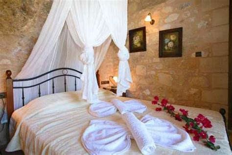 romantic bedroom decorating ideas trendyoutlook com stylish tips for romantic bedroom decorating and good feng
