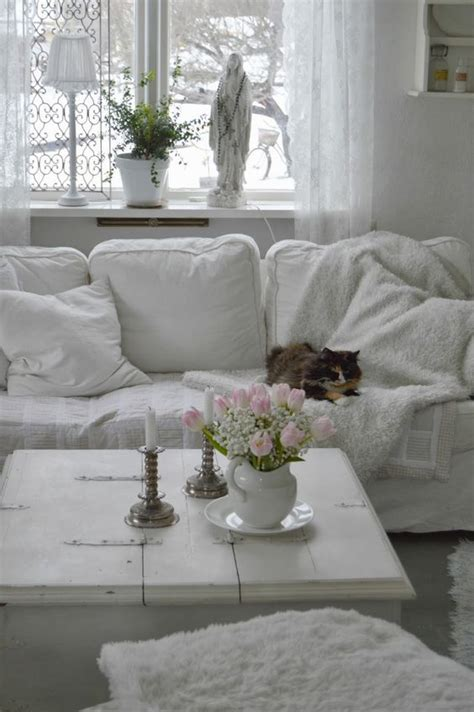 shabby chic living room decor 26 charming shabby chic living room d 233 cor ideas shelterness