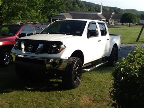 lifted nissan frontier white 2006 nissan frontier 16 000 100501485 custom lifted