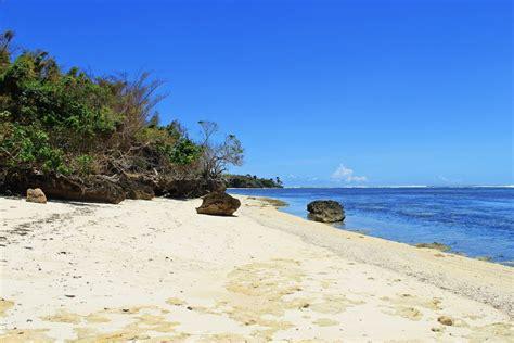 pantai ngagelan  menawan  banyuwangi jawa timur