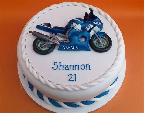 Novelty Birthday Cakes by Yamaha R6 Novelty Birthday Cake 171 Susie S Cakes