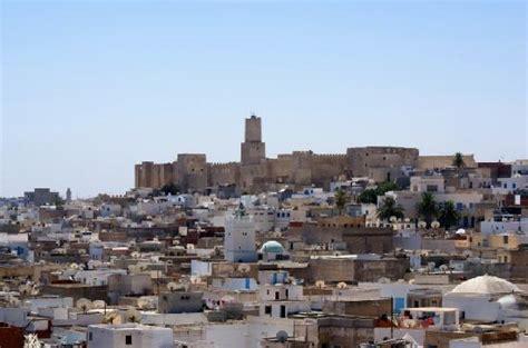 bureau d 騁ude sousse ausblick vom ribat 252 ber die stadt foto di medina of
