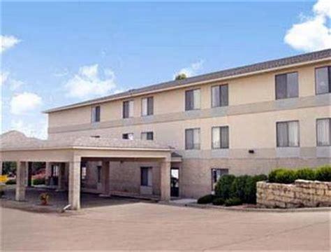 comfort inn maquoketa iowa super 8 motel maquoketa maquoketa deals see hotel