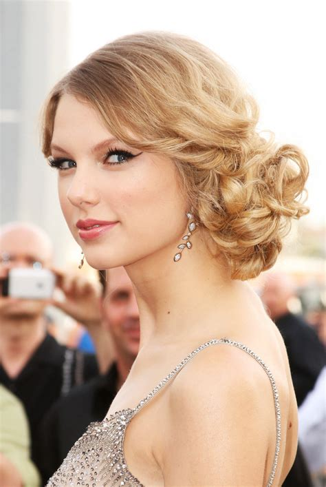 popular easy up do hairstyle for prom vivanspace