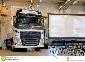 new volvo truck range new volvo fh truck at volvo trucks and renault trucks