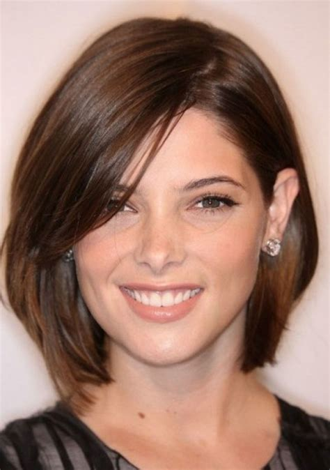 haircuts with shorter hair near face 126 best images about hair styles for round faces on