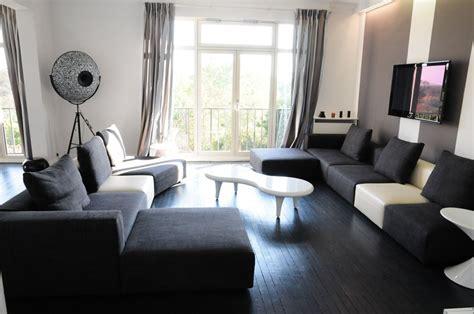 Bien Decorer Salon by Bien Decorer Appartement Un Salon Noir Et Blanc 3