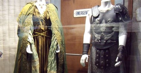 hollywood film gladiator hollywood movie costumes and props russell crowe and