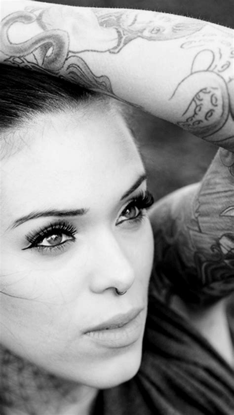 iphone 4s tattoo girl wallpaper les 3 wallpapers iphone du jour 18 09 13 appsystem