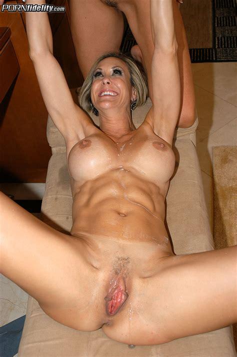 Sexy Booty Babes Brandi Love Kelly Medison MILF Fox