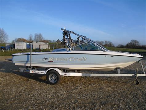 tow boat with tower up or down mastercraft boats uk used 2008 prostar 197 mini tower