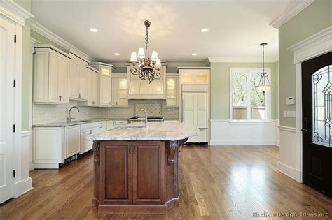 Pictures of Kitchens   Traditional   Two Tone Kitchen Cabinets (Page 7)