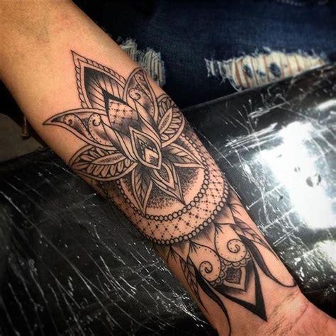 mandala tattoo vorlagen unterarm 150 coole tattoos f 252 r frauen und ihre bedeutung