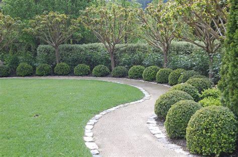 Hardscaping 101 Decomposed Granite Gardenista Decomposed Granite Landscaping