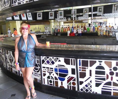 how can i get my wife to swing lobby bar at hedonism ii it s never too early to get