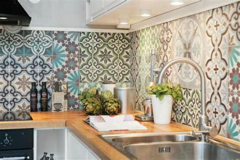 beauty washable wallpaper for kitchen backsplash 70 love dosseret de cuisine artisanal gr 226 ce aux carreaux de ciment