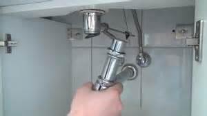 badewanne siphon ausbauen waschbecken und badewanne selbst reparieren so geht s