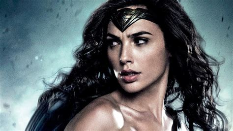 film gal gadot first wonder woman poster spotted at licensing expo 2016