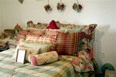 how to decorate spare bedroom how to decorate a spare bedroom on a budget ehow